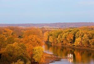 autumnlakeskyview